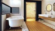 Łazienka urządzona w drewnie, Drzwi Amber